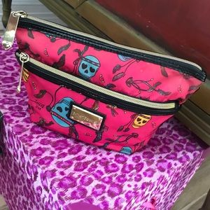 EUC Betsey Johnson💕 Indian 💀 skull cosmetic bag